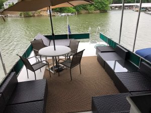 House boat Pier 88 lake wylie